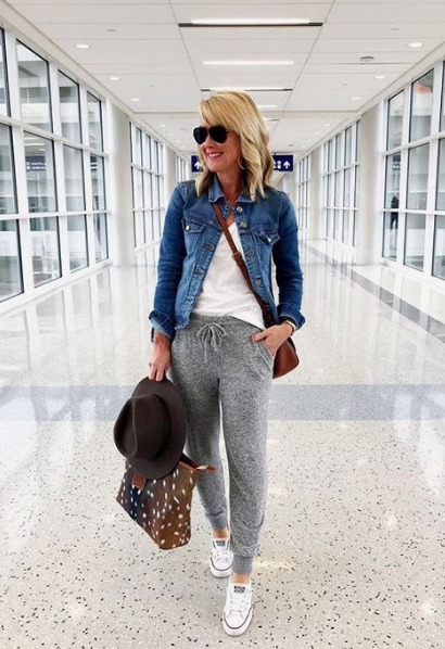 Travel Outfits: Comfortable Travel Outfit Ideas for Women